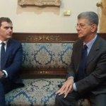 El presidente de la Asamblea Nacional de Venezuela, @hramosallup, recibe a @Albert_Rivera en el Palacio Federal https://t.co/NPqrz3XWoc