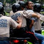 Prohíben marchas a sedes electorales en #Venezuela - https://t.co/Bj36TVAcVm https://t.co/MWNJyGnMPi