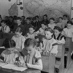 Закарпаття, 1937 рік, шкільна форма https://t.co/ar7RwZPeMz