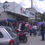 via @joelejandro: #24M Situación tensa en automercado Express,Los Teques,comercio bajó santamaria @_TonyREY https://t.co/YXFiyLryGU
