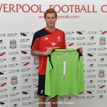 Loris Karius has been allocated the No.1 jersey at #LFC: https://t.co/GMEcaENLSe #KariusLFC https://t.co/HGZt9e4bef