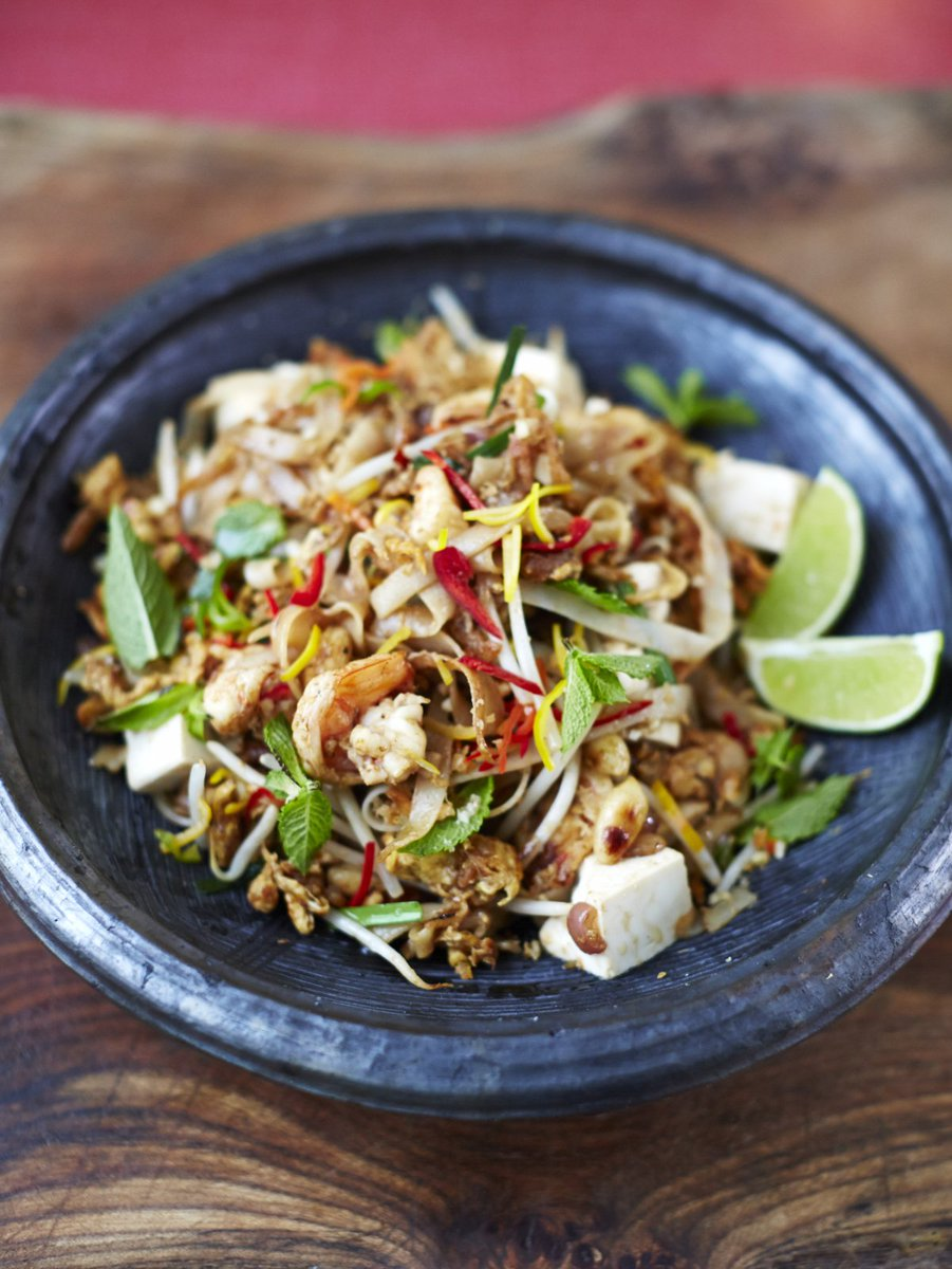 This noodle dish is super-popular in Thailand & it's one of my favs, too: https://t.co/hFzAuEAK41 #RecipeOfTheDay https://t.co/jsDMT4LrZw