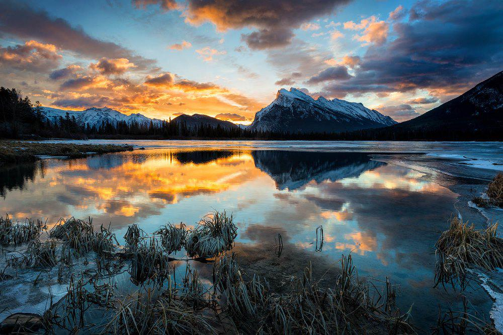 Sunrise at Vermillion Lakes, Canadian Rocky Mountains   Photography by ©Bob Bittner https://t.co/7L6T3WFFIZ