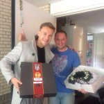 Voetbalhumor   Heracles-speler pakt fanatieke FC Twente-buurman terug https://t.co/D67epHr3O0 https://t.co/1mrt0P4U7g