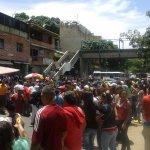 #24M Protesta, tranca y represión en #Carapita.#ElPuebloTieneHambre el regimen reprime al pueblo #MaduroEsHambre https://t.co/uZkuKnMRMR