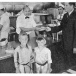 """Yesterday marked the 70th anniversary of @ChickfilA! Truett Cathy opened the """"Dwarf Grill"""" in Hapeville on 5/23/1946 https://t.co/M3ahb1S1eE"""