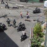 "#24May ATENCION300 efectivos PNB y GNB tratan d contener la situacion1 PNB herido en #Carapita via @ReportePopular https://t.co/E0yApc4sdm"""