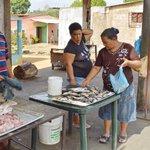 Ante los precios elevados del pollo, la gente compra sardina: https://t.co/NSRPMh6pTM. #Hiperinflación. https://t.co/4IAVQiwbVK