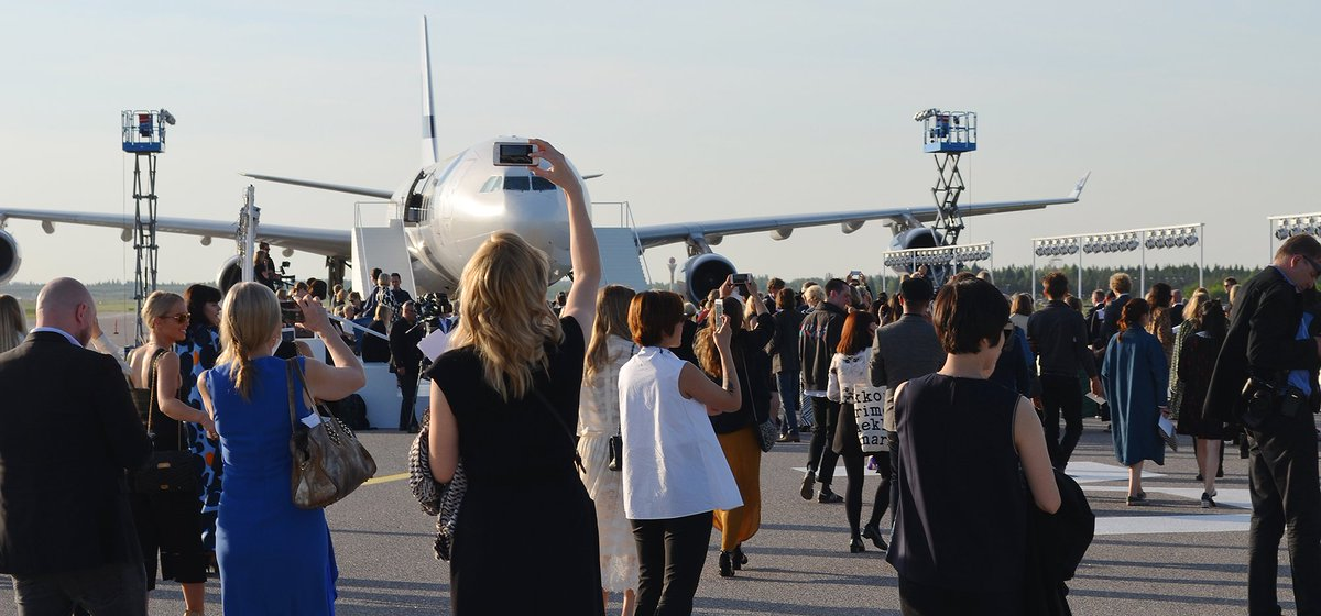 RT @HelsinkiAirport: MatchMadeinHEL: We transformed our runway into a catwalk, photos: fashion Finland https://t…