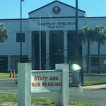 "Police say10 students arrested @ Tarpon Springs High after brawl. Students say 15+ involved in day 2 of ""fight week"" https://t.co/wCA6TQ0drh"