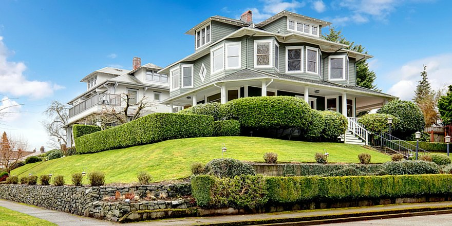 Don't just look for #curbappeal when you tour a home https://t.co/O1JqPwxFRv from @PaulPsian https://t.co/tKL4bENbsr
