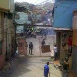 Carapita-Venezuela Protestas por comida en las zonas más pobres La respuesta de Maduro? disparar a quien proteste! https://t.co/uMrGa8wx9Q