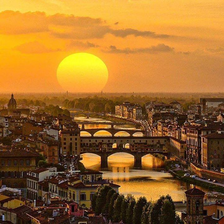 https://t.co/h02Q20OTlq - You can't beat #GoldenHour in Italy. #TLPicks courtesy of @disco… https://t.co/i4dPavfrTU https://t.co/22xLBpskM6