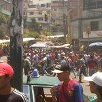 Heridos tres funcionarios de la PNB en disturbio en Carapita https://t.co/6h2Wxq6If8 https://t.co/sBcjwwh77g