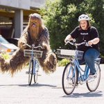 CHEWBACCA LADY RIDING A BIKE WITH CHEWBACCA MAKES ME SO HAPPY THAT WOMAN AND HER LAUGH DESERVE THE WORLD https://t.co/A6PRvbNCP6