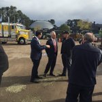 PM Turnbull with Deakin MP Michael Sukkar talking up #eastwest at Daisys Gardening supplies in Ringwood #ausvotes https://t.co/S64NmsewPt