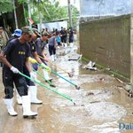CSD deployed to clean flood affected areas #SriLanka https://t.co/pUGQdaw6Pn https://t.co/FKj2MBiHaS