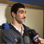 Enes Kanter sporting a bandage under his chin. Four stitches he said from a Draymond Green arm in fourth quarter. https://t.co/v1qngFFo1F