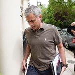 Jose Mourinhos talks with Man Utd are set to continue today. https://t.co/skNuuNUCdU https://t.co/YZZOzz4Zzr