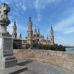 Siempre bella y majestuosa #catedralbasilicaelpilar #zaragoza Buenos días!  https://t.co/n1ASSt79uB https://t.co/vb5A75kLGN