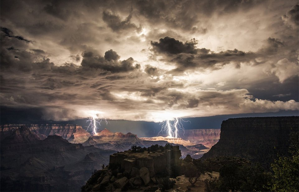 Thunderstorm Over Grand Canyon | Photography by ©Rolf Maeder https://t.co/5KWHTjT1Np