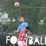 Sempat tertinggal gol Rizki Alam, Svd menyamakan kedudukan menjadi 1-1 melalui dlsundulan #persib #wearestillnumber1 https://t.co/MKq7oIfGEQ