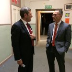 Quick chat with Chris Uhlmann in the corridor at Goulburn High before tonights debate. No hints. #ausvotes https://t.co/M7frtcLiNk