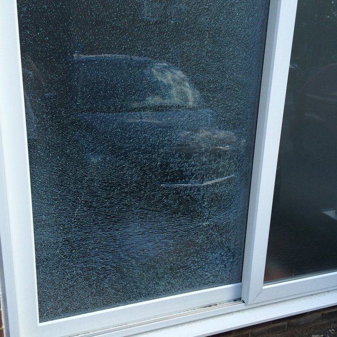 @AffinitySutton Yesterday your maintenance team smashed my patio doors when mowing the lawn opposite my house. https://t.co/KaYjNr1xWo