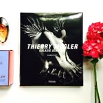Im giving away 5 Mugler #AngelMuse book & scent sets today! To enter, RT & follow @davelackie (flower not included) https://t.co/9UDfOddPFG