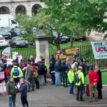 Good picket this morning at #Cardiff Uni. #UCUstrike #fairpayinHE https://t.co/uSVzCBN1wu