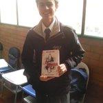 @DanielSamperO #HolaSoyDanny Mis estudiantes ya leen el libro.... Oficialmente famoso!! https://t.co/KDVHRNNTuo