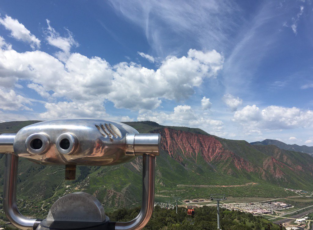 Salite sulla Iron Mountain a Glenwood Springs e godetevi la vista. #ColoradoLP https://t.co/b5uBWbblpl