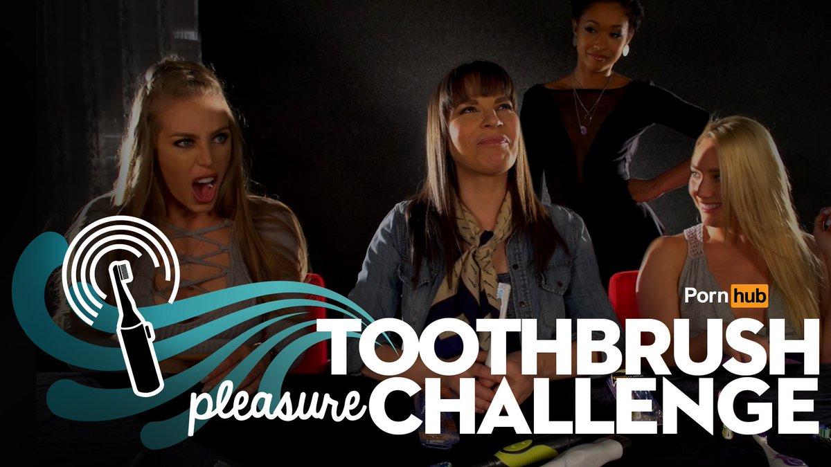 Toothbrush pleasure challenge w/ @XNicoleAnistonX @Skin_Diamond  @danadearmond  #ajapplegate https://t.co/cg9dq6dOo3 https://t.co/DA54baGbHf
