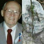 Walter Summerford . رجل ضربه البرق ثلاث مرات في حياته  وبعد وفاته ضرب البرق  شاهد القبر الذي دفن فيه https://t.co/8SvuYmYgfj