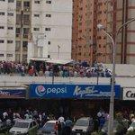 Reportan disparos en supermercado en Maracaibo https://t.co/iBOZMbe6uc https://t.co/2NkfNMfCx2