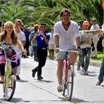 "Carlos Vives y Shakira: imágenes del rodaje de ""La bicicleta"". https://t.co/S5zq6psgrO https://t.co/3yaOb9mPI9"