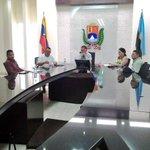 Arias Cárdenas se reunió con Corporación Venezolana de Alimentos para impulsar producción https://t.co/15x3OlBQSU https://t.co/gUDoCVhTti