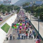 Cetegistas marchan una vez más en #Chilpancingo https://t.co/qyXYLIbCTq Foto: @Torress43 https://t.co/1Jhu6QJDpr