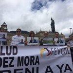 Acompañamos plantón por la vida y libertad de @saludhernandezm y todos los secuestrados, en la plaza de Bolívar. https://t.co/OXDJbTgi6E