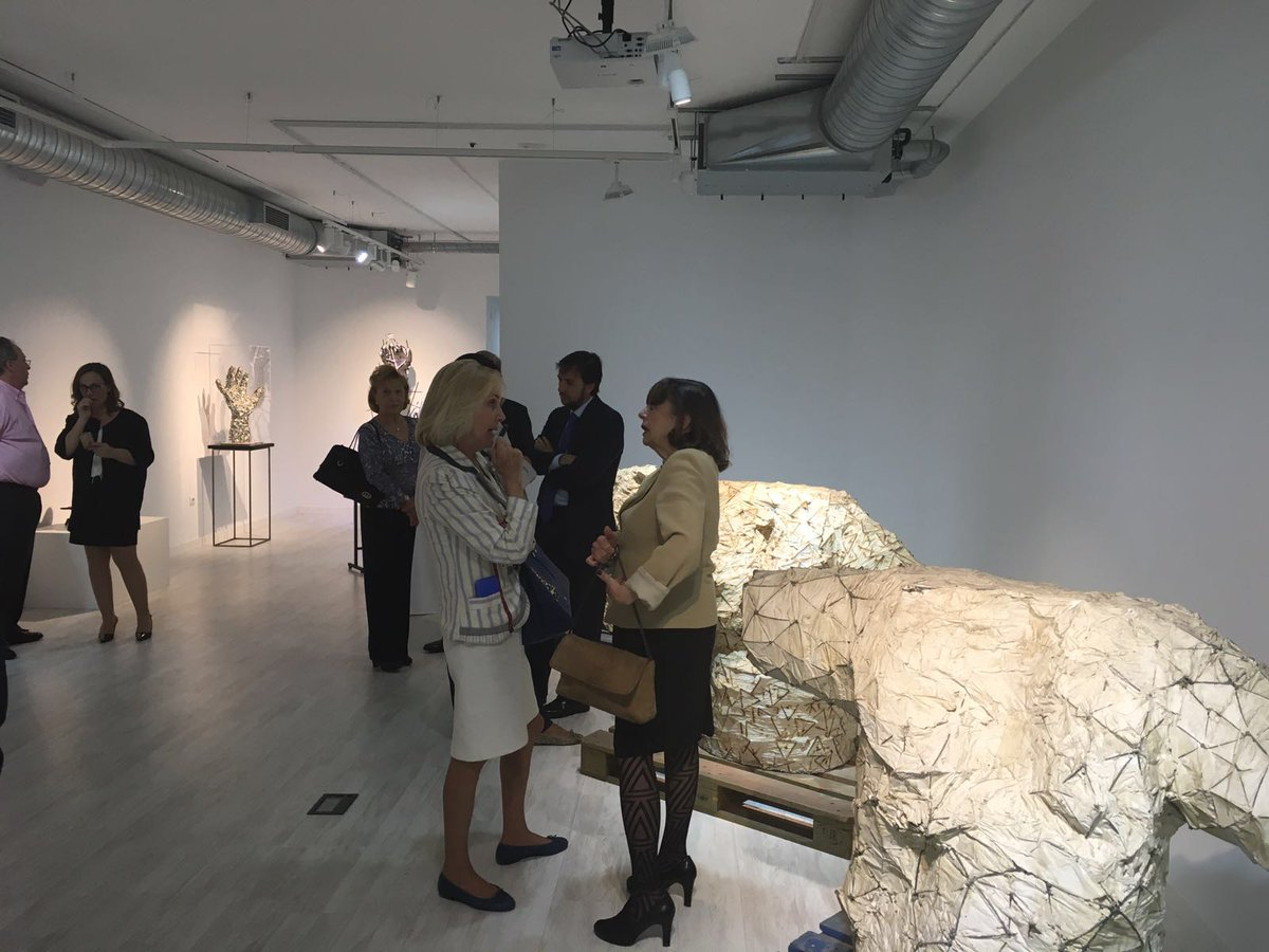 Apoyamos la apertura de la galería de #arte @ProyectoHC con visitas exclusivas a la exposición de Xavier Mascaró https://t.co/wIUr5dEcsA