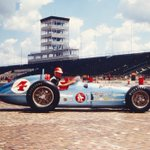 Rathmann was the last driver to win wearing a leather helmet. More #Indy500 FasTrack facts: https://t.co/hEH6qZQw3Z https://t.co/jI4gPic0PT