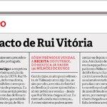 """Não, não se trata do Jornal do Benfica, é mesmo um """"broche"""" do @farinha19 ao Benfica/R.Vitória no @Record_Portugal. https://t.co/K58jOsigHs"""