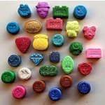 These are what Ecstasy tablets look today says my friend - how can partygoers think theyre deadly? https://t.co/0zHSM4bk5J
