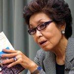 """시오노 나나미는 오바마에게 원폭에 대한 사과를 요구하지 않은 것이 """"일본의 품위를 높였다""""고 말한다 https://t.co/LFDPVYaqGu https://t.co/PaCwyajgk6"""