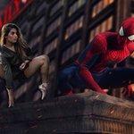 ¡La encontramos! Muy pronto con Tom Holland en #SpiderManHomecoming 😂 https://t.co/ldrhYVjNMU