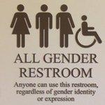 """""""트랜스젠더에게 편안하고 안전한 화장실이라면 모든 사람에게 그 혜택이 미칠 것이라는 전제가 깔려 있다"""" 손제민 특파원의 Now in 워싱턴, 모두가 안전한 화장실 https://t.co/JTSSP3cAWI https://t.co/KMLWxr77WL"""