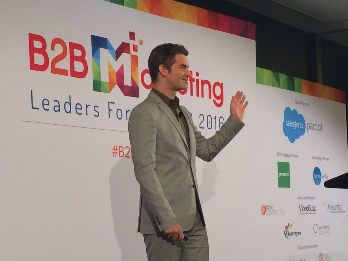 He ran on stage! @nickonthemove bringing the @Lenovo energy to #b2bmktg16 https://t.co/kXE5evPjNI