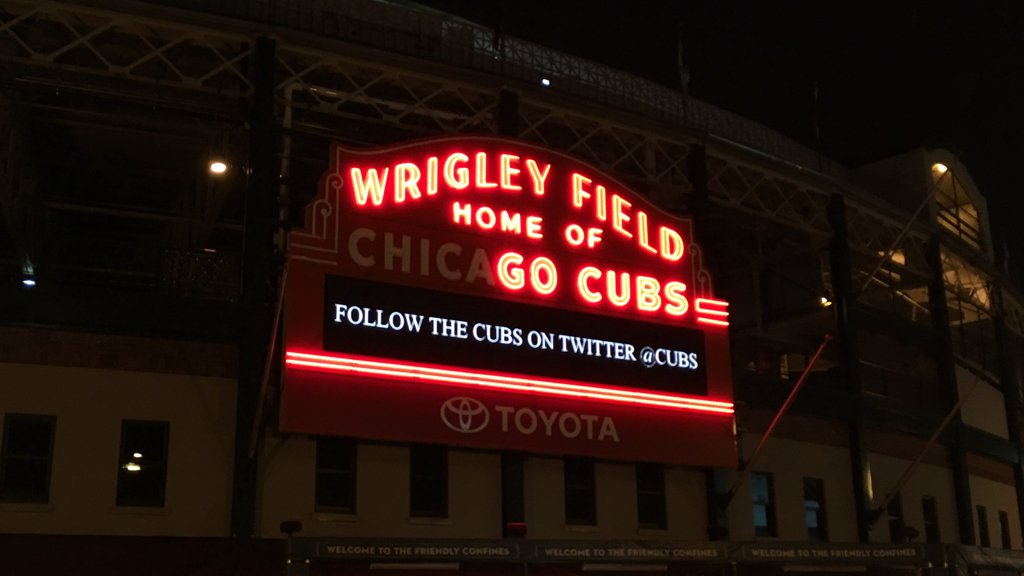 My favorite marquee malfunction.  #GoCubs https://t.co/wuCEy11Vae