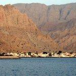 صباحكم مناظرعمانية تملأكم نشاط وحيوية نيابة ليماف مسندم #عمان_الغالية من أجمل المناطق الساحلية، مكان يتسم بالهدؤ https://t.co/kbFMiboj4r