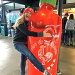 It doesnt get much better than this! Thanks @Mariners. #TrueToTheSriracha ❤️???????? https://t.co/ZDe0irrOmk